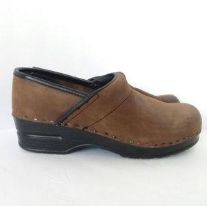 Bjorndal Brown Suede Clog Professional Shoe